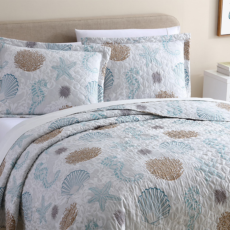 Ocean print reversible bedding set
