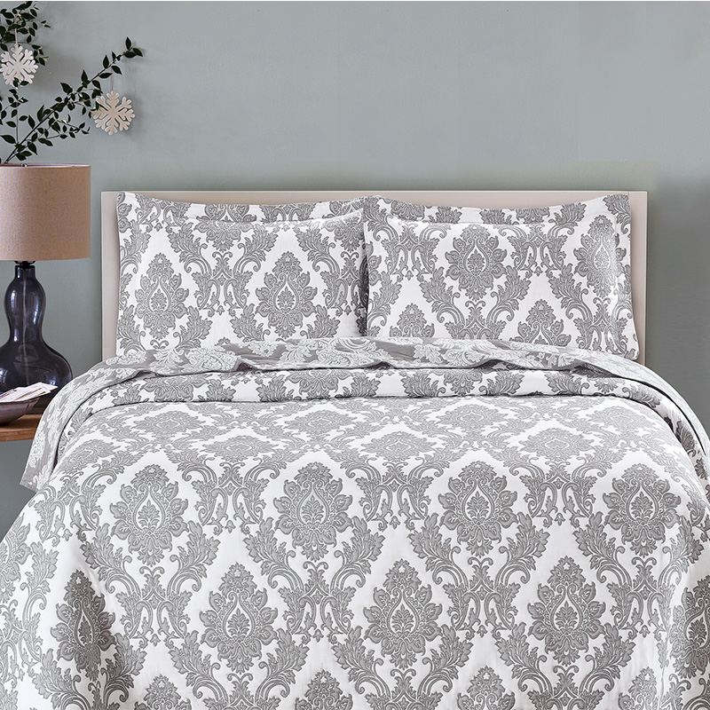 Damask jacquard quilt set