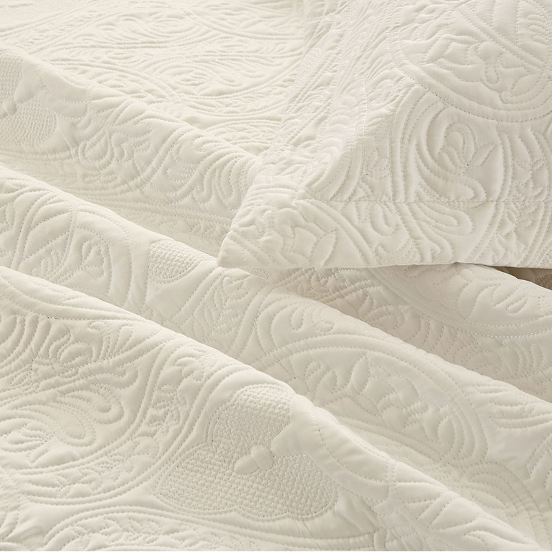damask embroidery mate satin quilt set