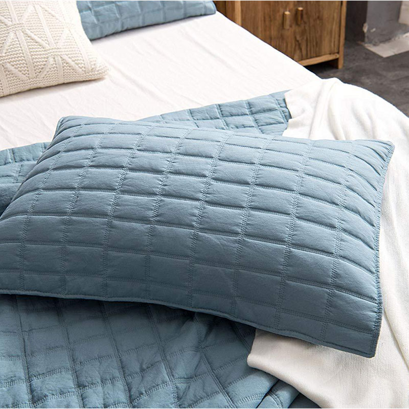 blue oil washed quilt set
