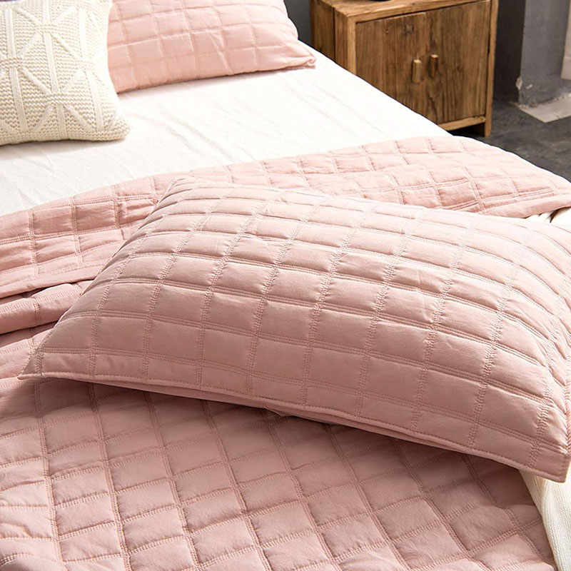 pink garment washed quilt set