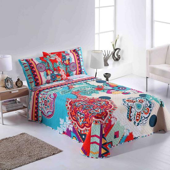 Engineered Quilt large floral designs