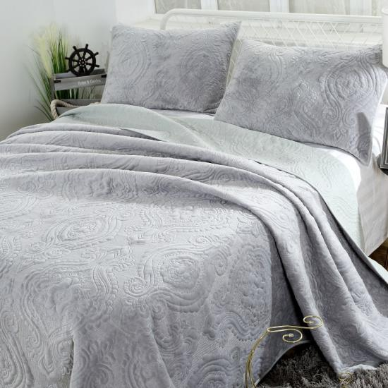 light grey velvet quilts